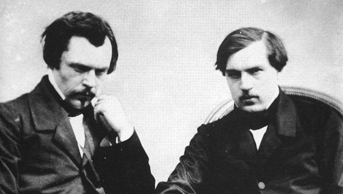 L'expérience du journalisme : l'atout majeur des frères Goncourt