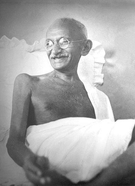 Qui a volé  les lunettes de Gandhi ?