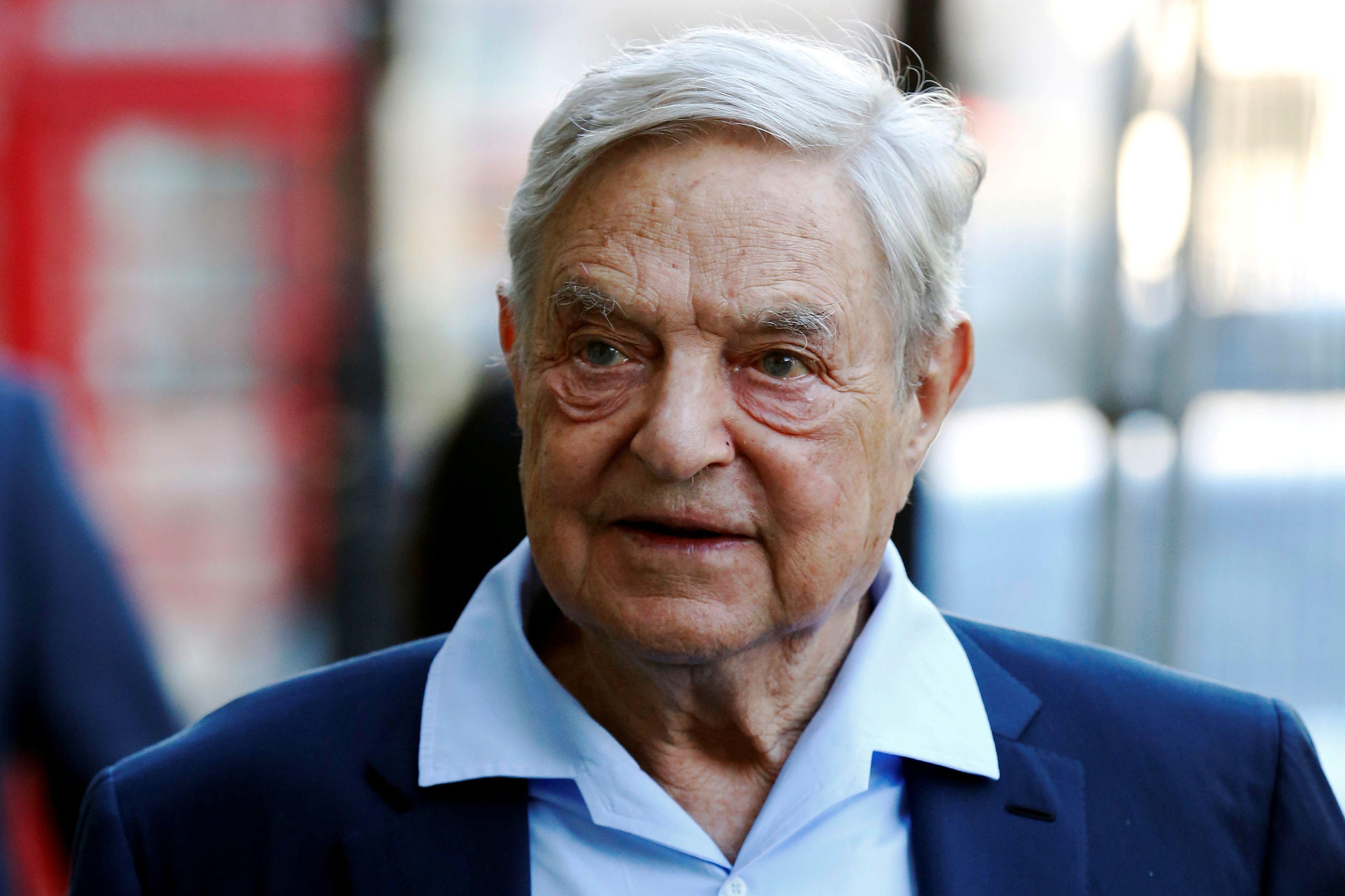 Le milliardaire George Soros investit 500 millions de dollars en faveur des migrants