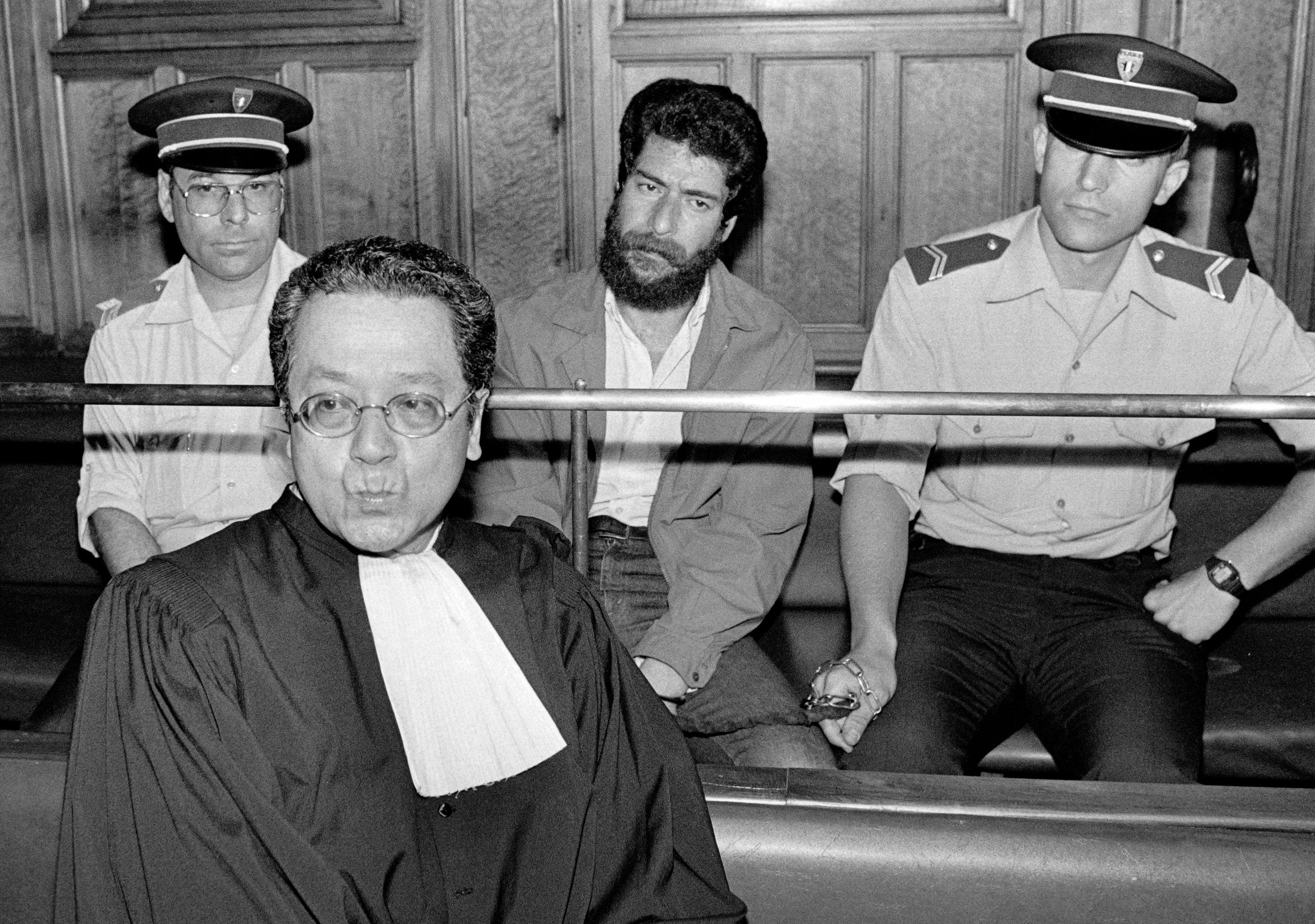 Georges Ibrahim Abdallah (en arrière plan).