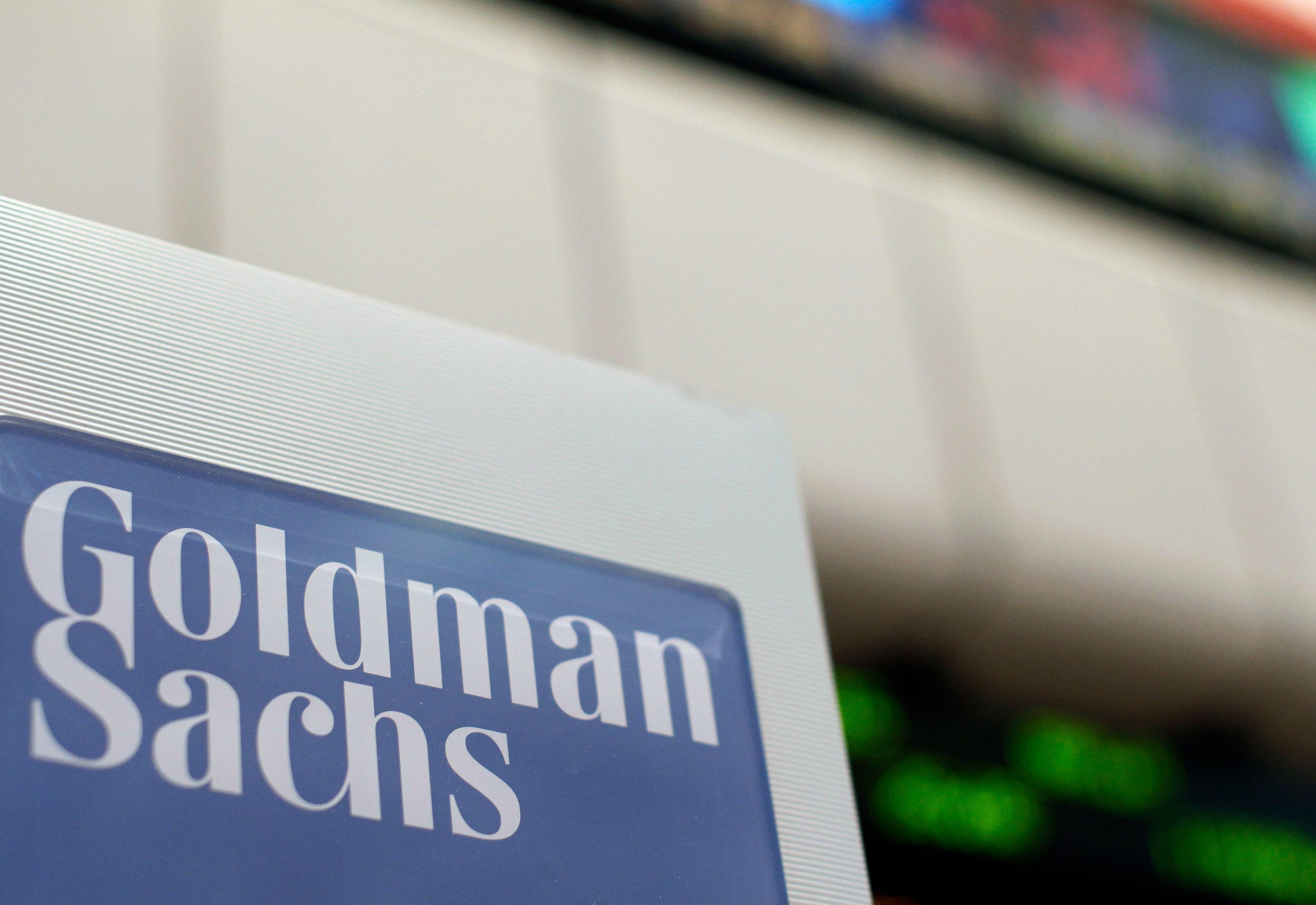 """Goldman Sachs aurait trouvé la parade pour ne pas voir les bonus accordés aux banquiers plafonnés : ne pas les appeler """"bonus"""" mais les """"role-based pay""""."""
