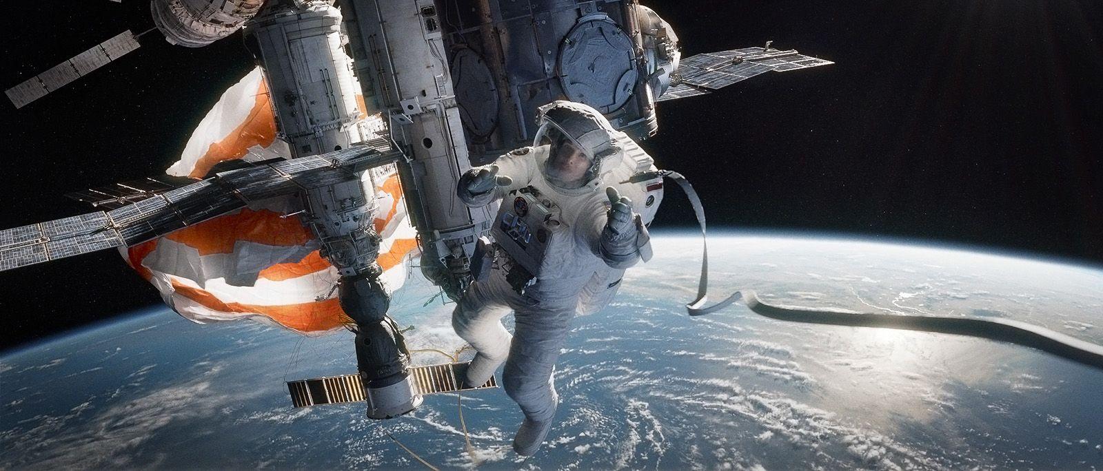 Gravity : Angelina Jolie et Robert Downey Jr auraient puêtre les héros du film