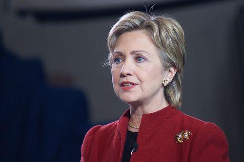 Hillary Clinton est hospitalisée pour une thrombose, un caillot dans le cerveau.