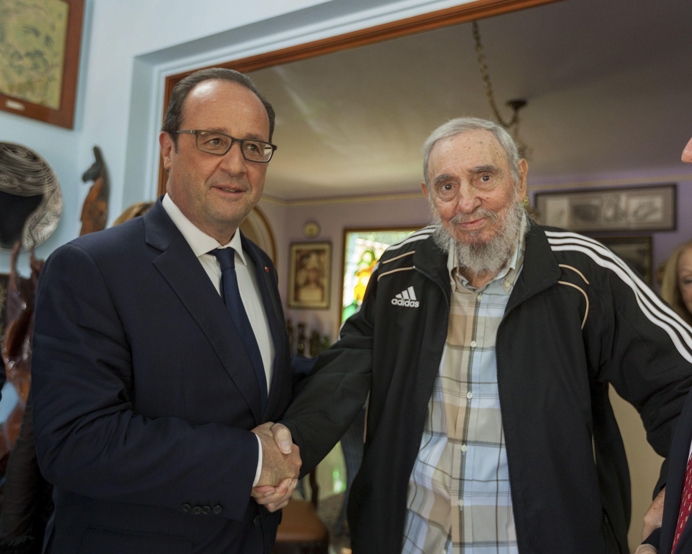 """Croissance: François Hollande jubile mais ses amis du courant social-libéral font """"la gueule"""" face à ce qui pourrait être un mensonge d'Etat"""
