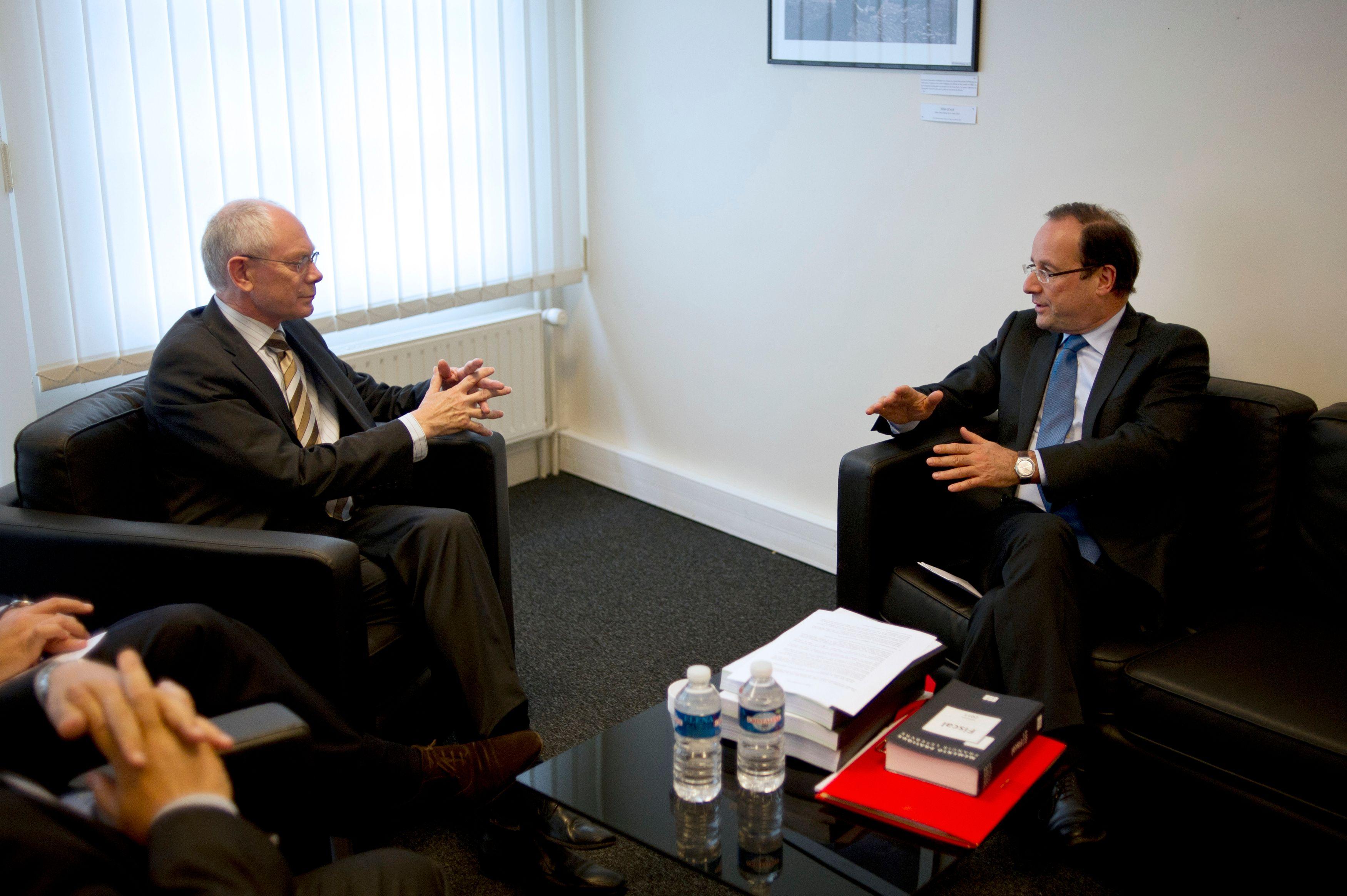 Pour la première fois dans l'histoire, Herman Van Rompuy, président de l'Union européenne est venu rencontrer à Paris un Président élu avant même son investiture.