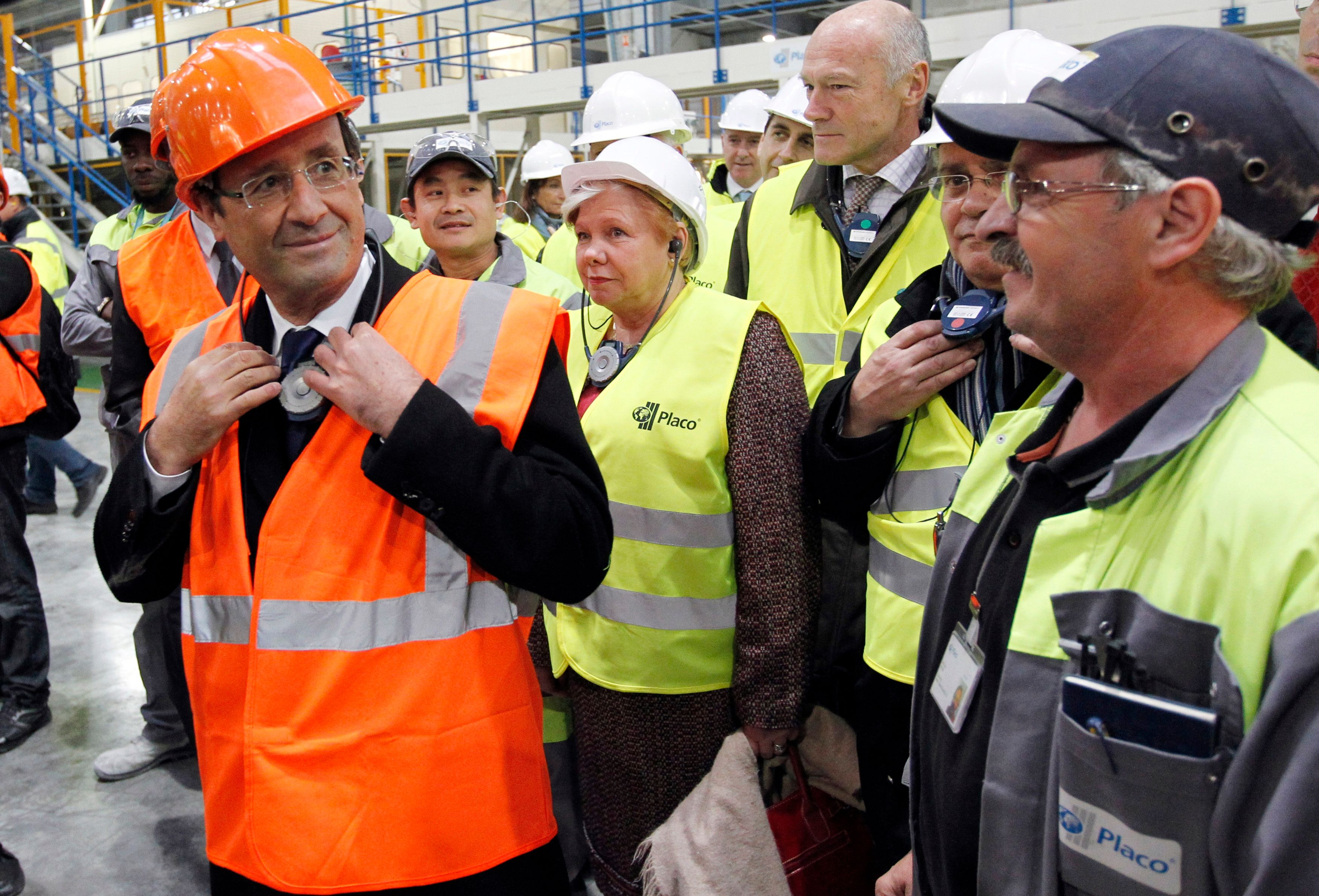 Après s'être attaqué au logement, le gouvernement français s'attaque, comme prévu, à l'emploi.