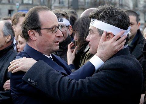 François Hollande sort quelque peu renforcé de la période des attentats commis par les frères Kouachi et Amedy Coulibaly.