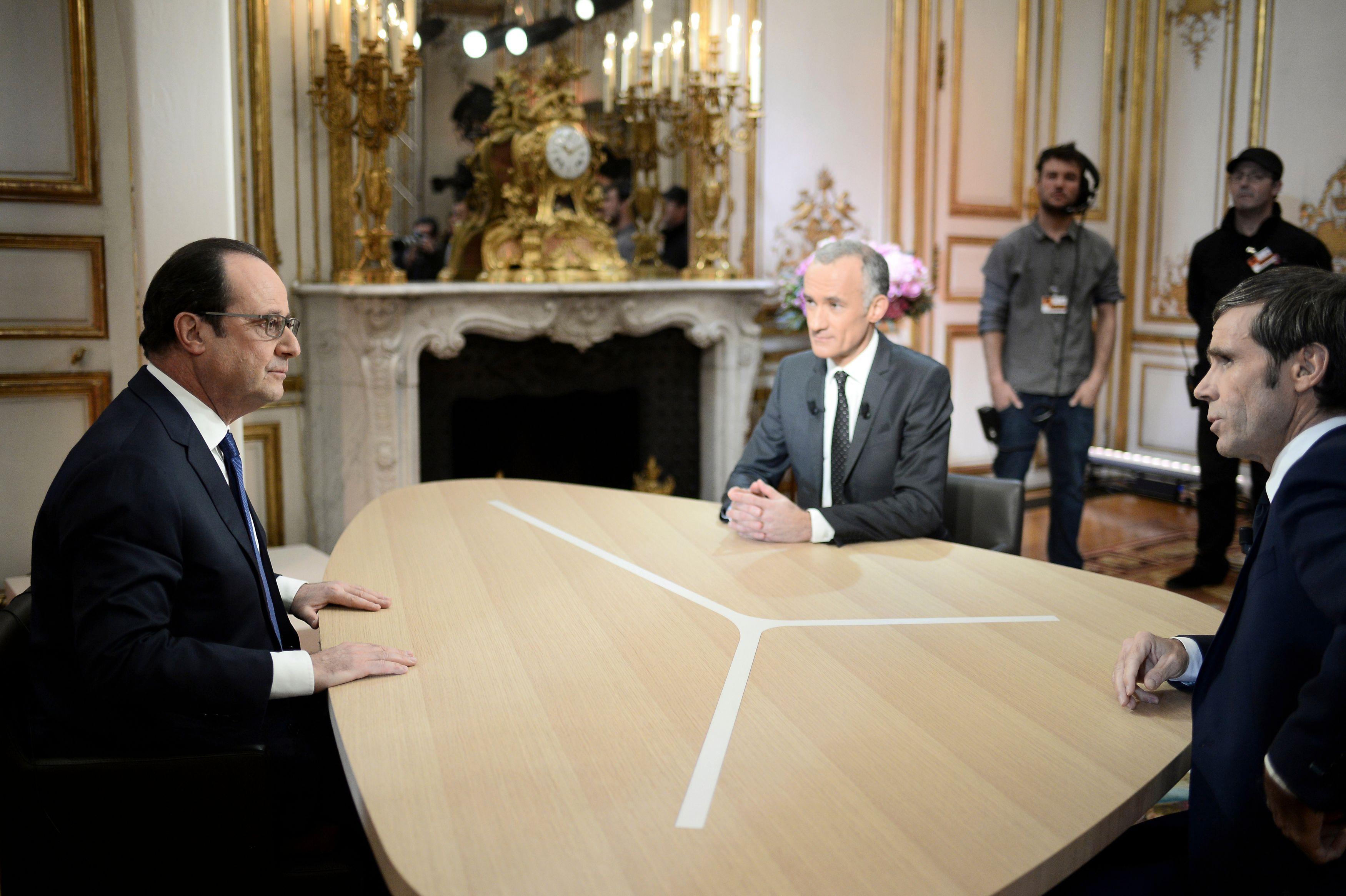 """Selon cette enquête, 47% des sondés ont trouvé François Hollande """"plutôt convaincant"""" sur la question du terrorisme."""