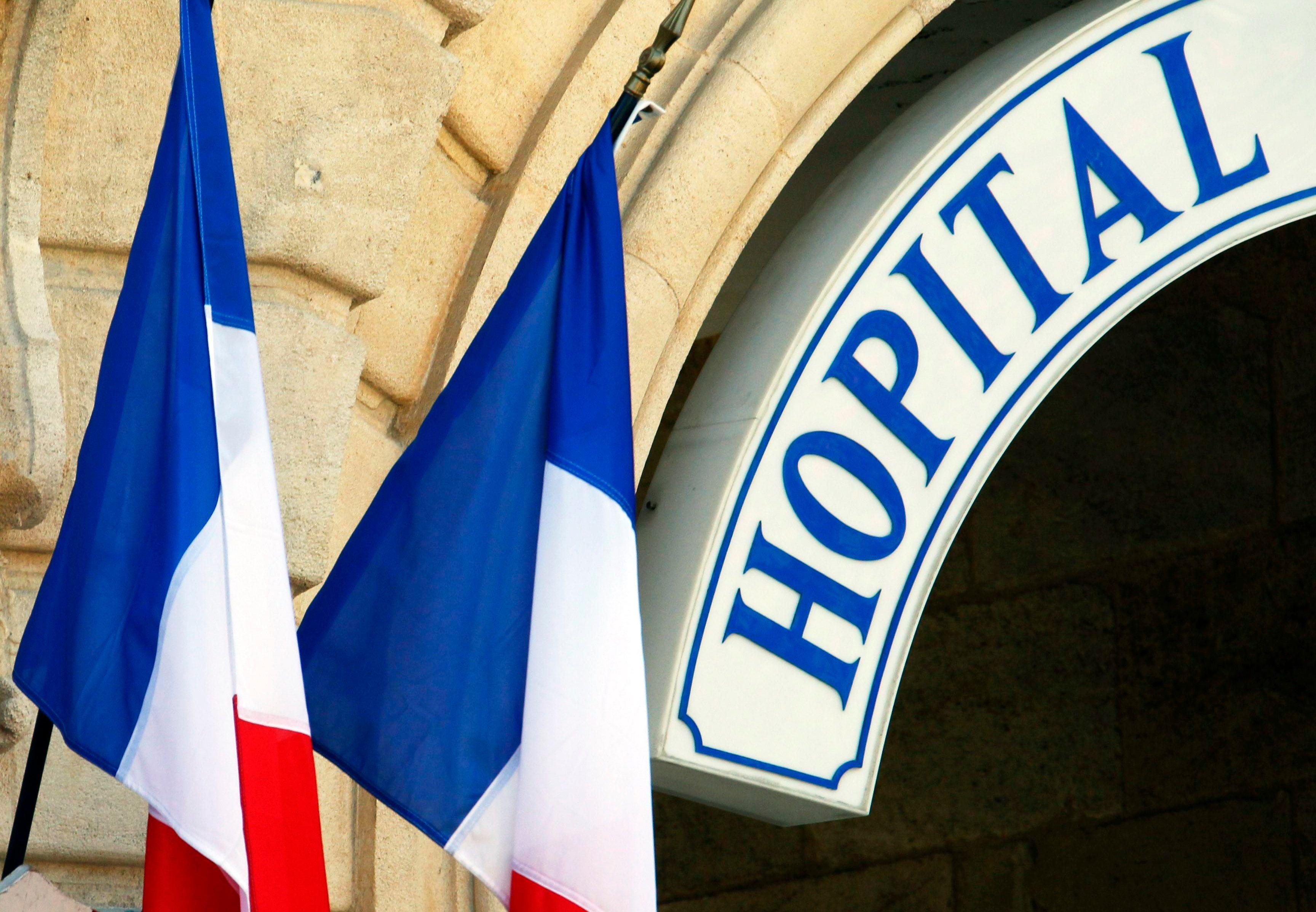 Un enfant de 10 ans résidant dans un quartier sensible d'Épinay-sur-Seine, dans le 93, est décédé alors qui ne le Samu ni le taxi ne voulaient le prendre en charge. Read more at http://www.atlantico.fr/decryptage/mort-sans-secours-epinay-seine-bienvenue-d