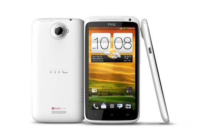 Peter CHOU, le CEO de HTC a annoncé officiellement le HTC One X à MWC 2012.