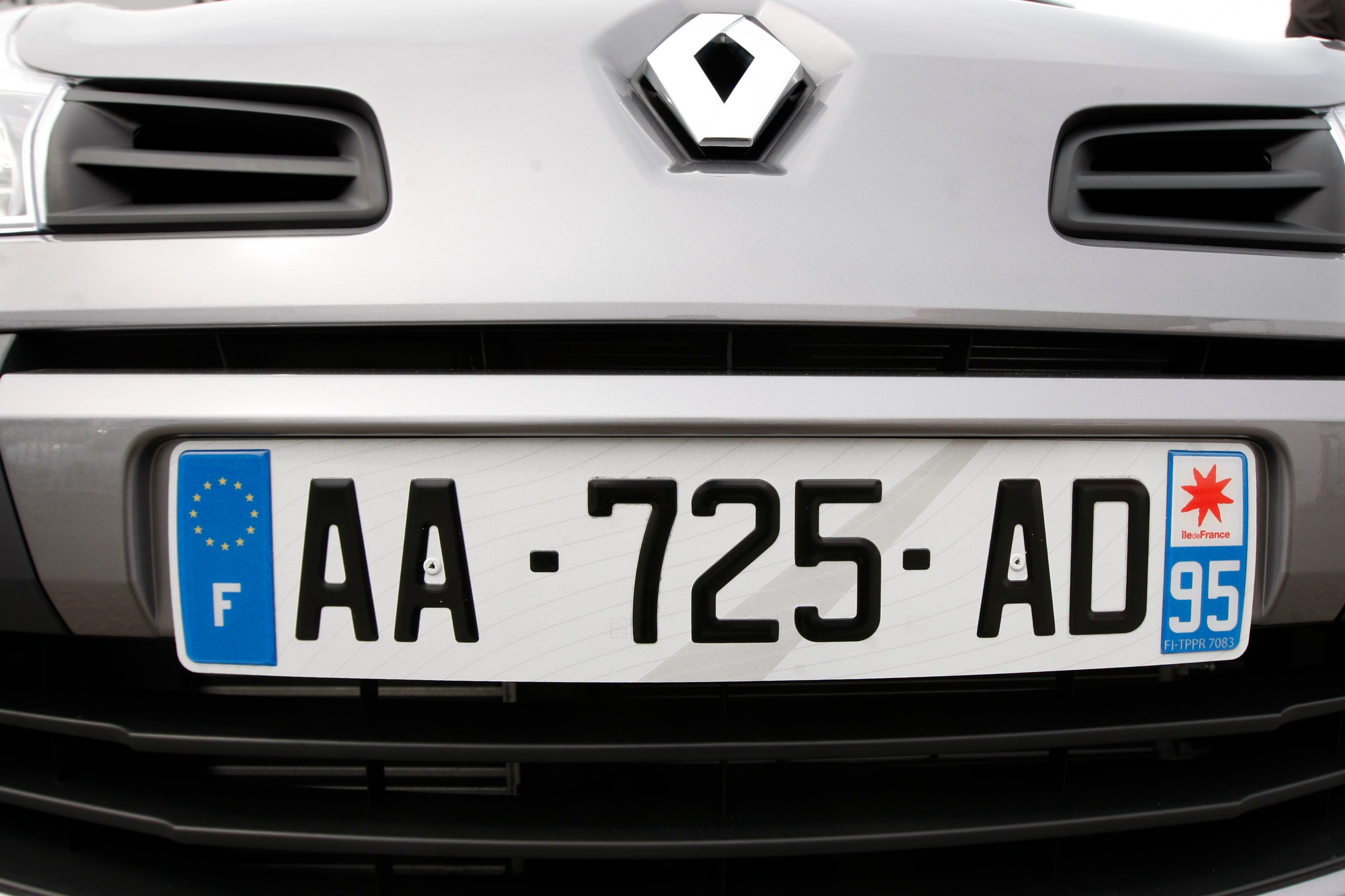 Les immatriculations de voitures françaises sont en net repli