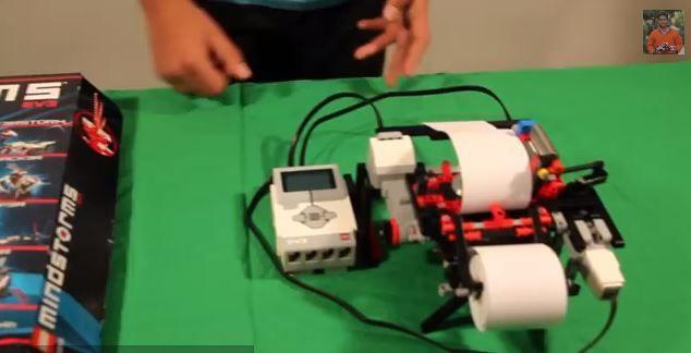 Un jeune garçon a construit une imprimante braille avec des LEGO