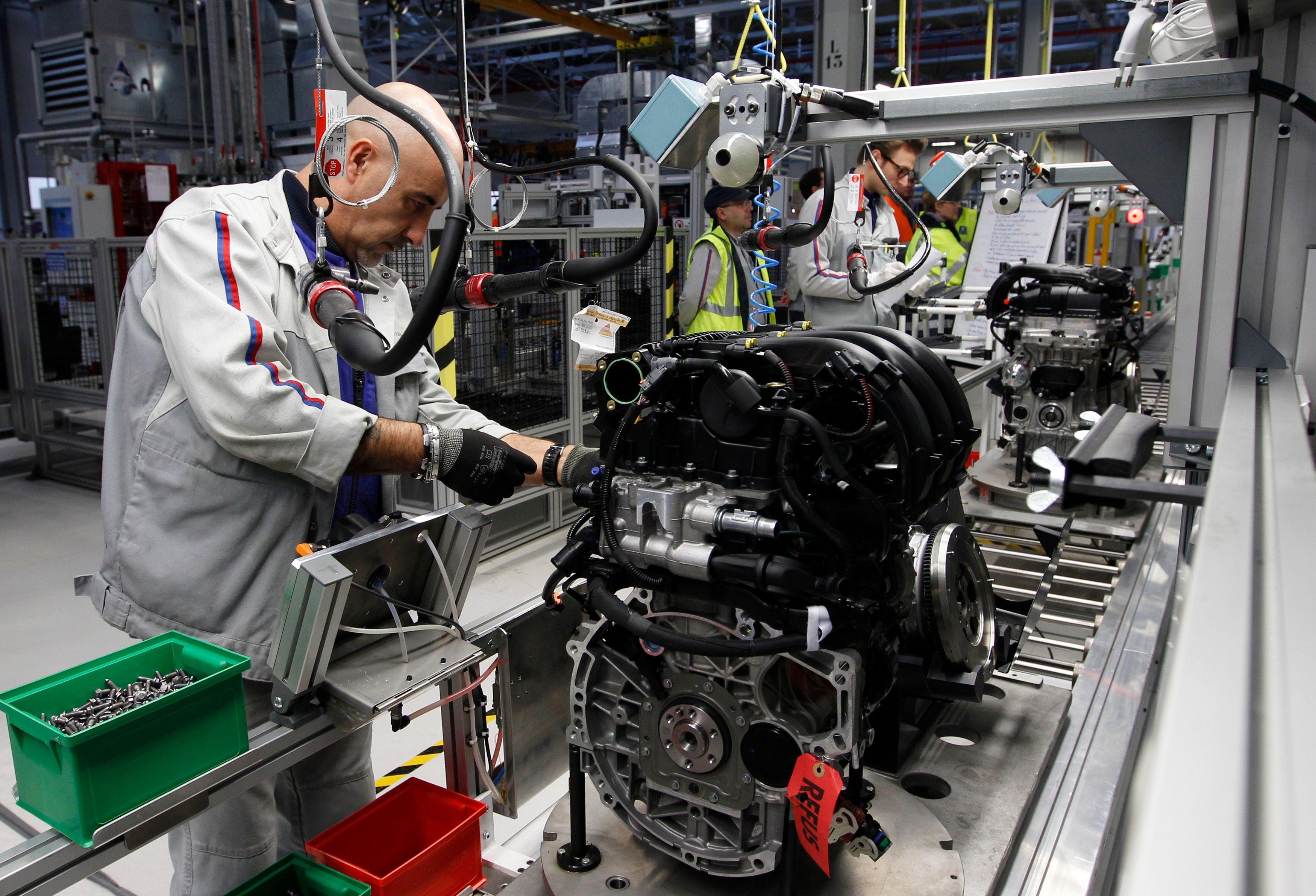 L'industrie, vue de droite : au service de la puissance française