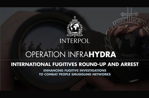 Migrants : Interpol s'attaque aux trafiquants de réfugiés