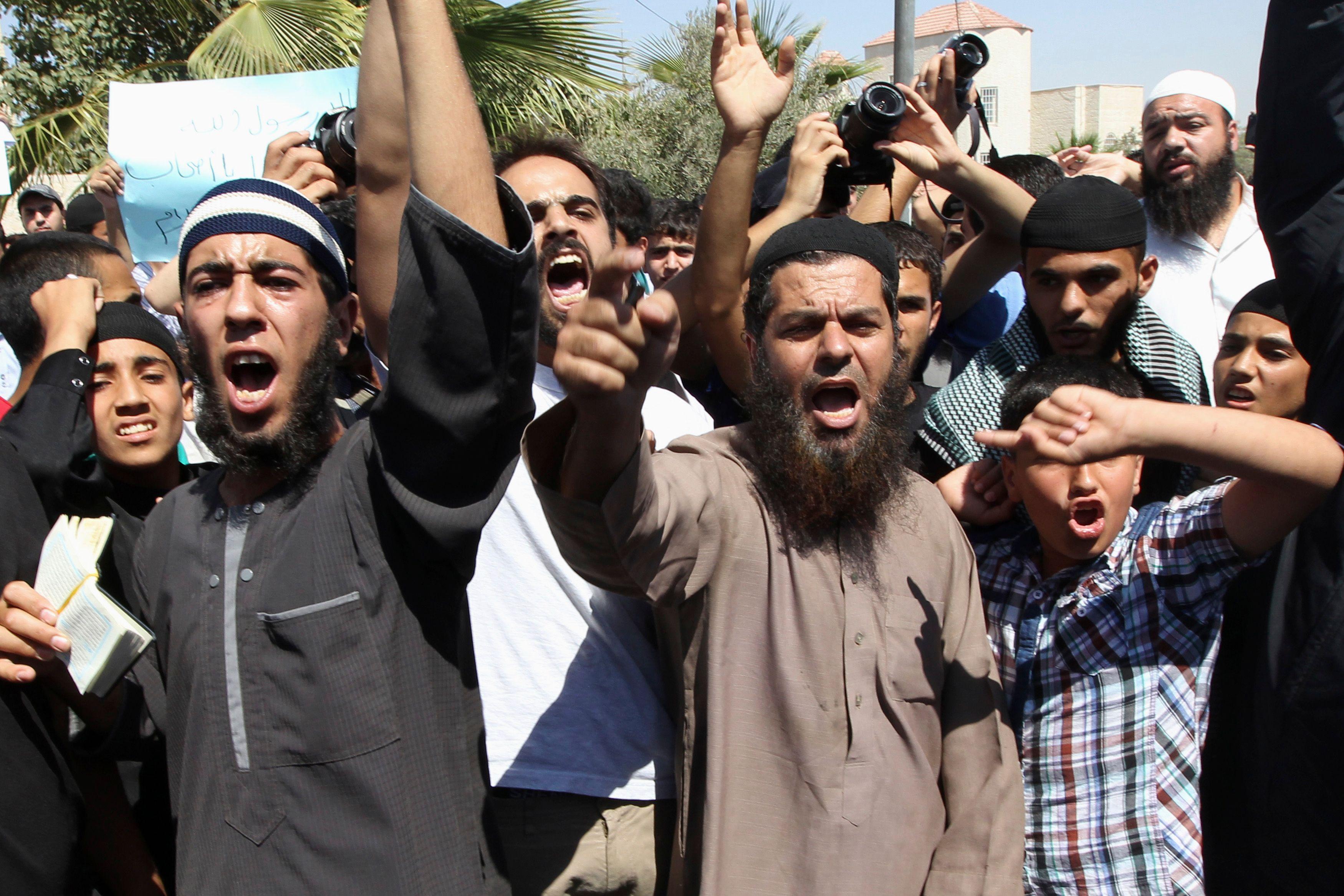 Comment l'idéologie islamique a été en toute irresponsabilité introduite et implantée en France