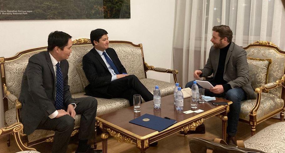 « Il y a beaucoup de liens et depuis longtemps entre l'Europe et le Kazakhstan »