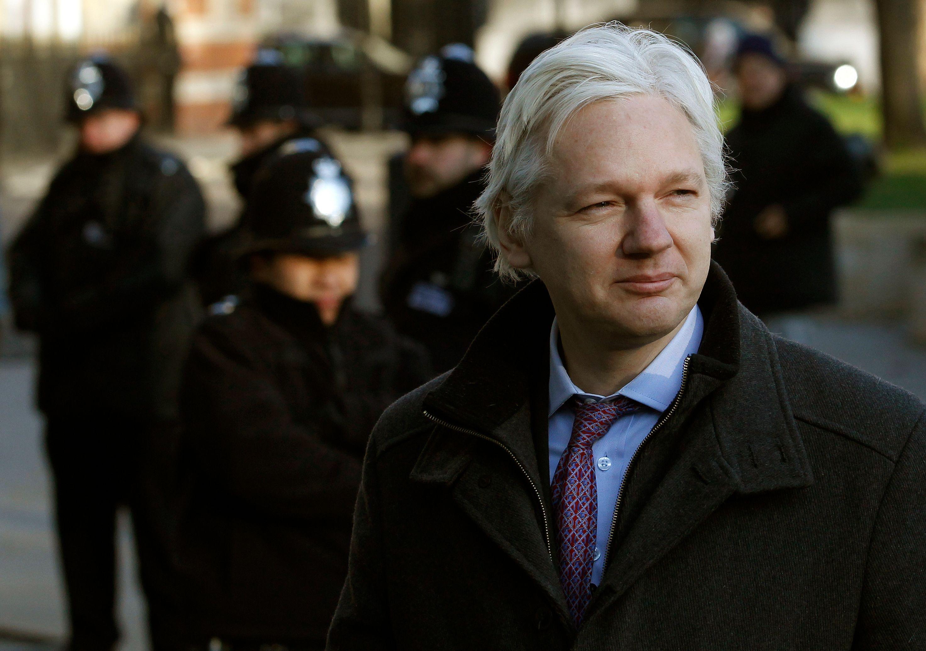 Wikileaks : Julian Assange se rendra en cas d'arbitrage défavorable
