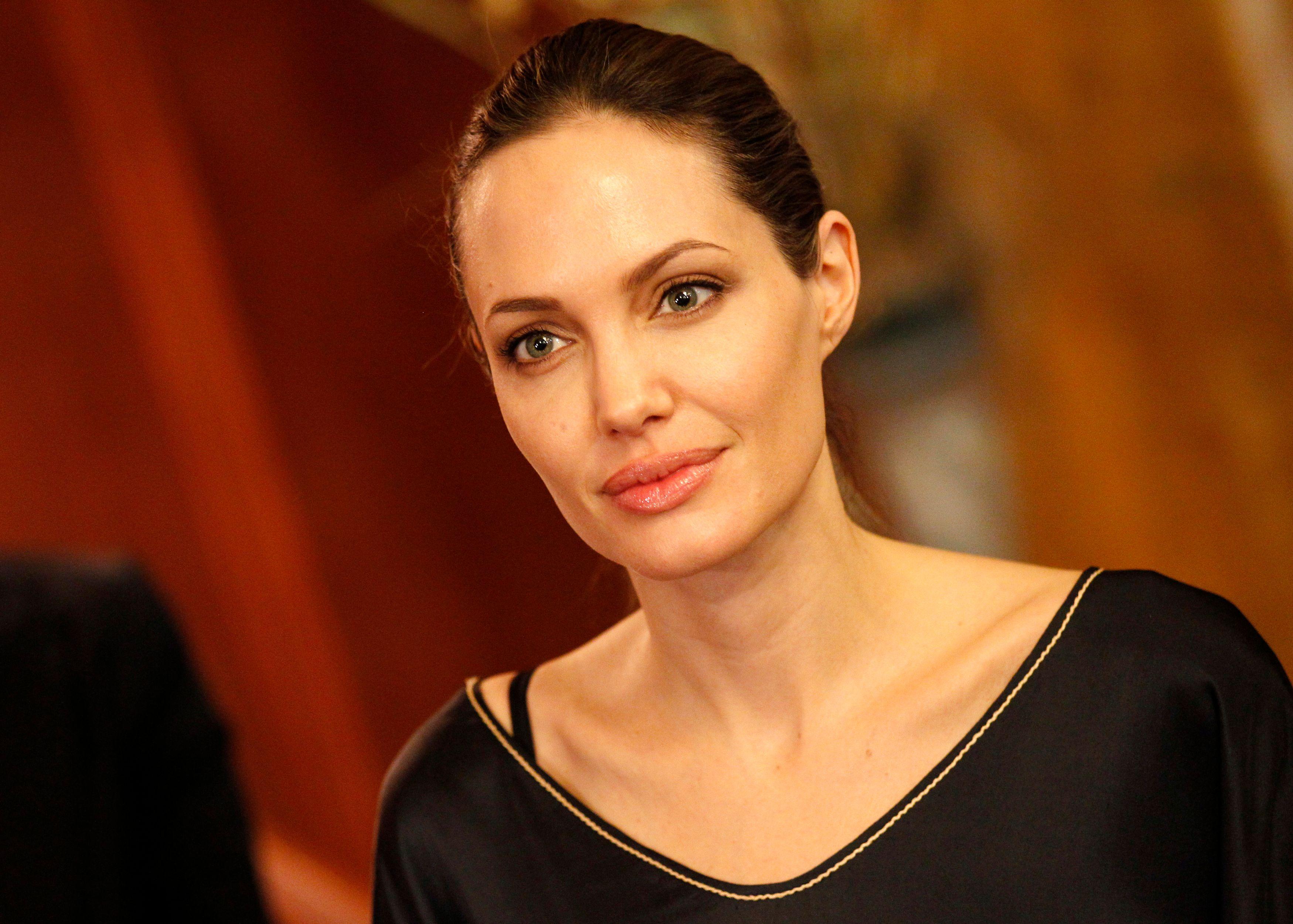 Angelina Jolie devrait tourner encore quelques films en tant qu'actrice en 2015 puis s'arrêter