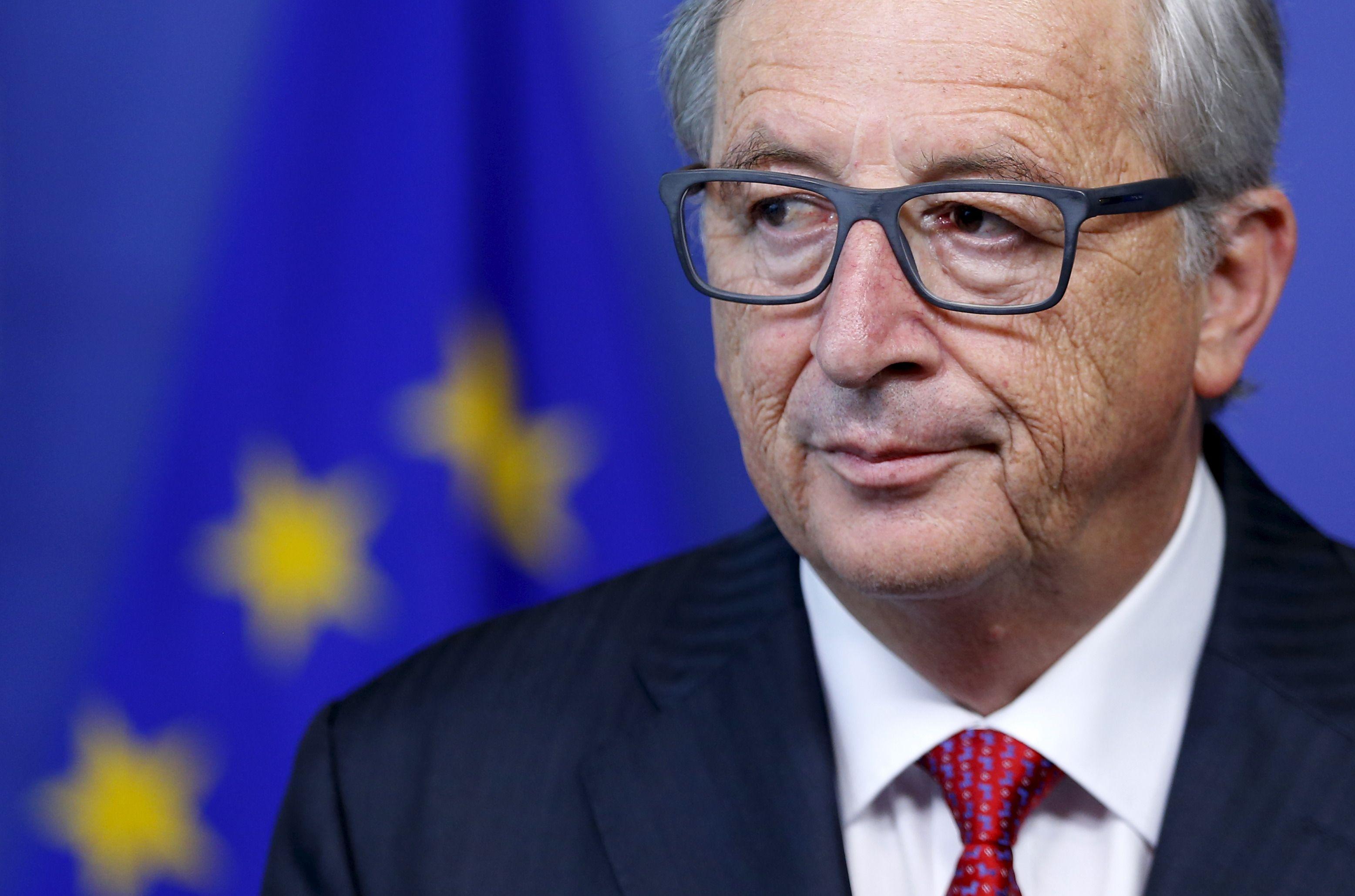 """UE : Jean-Claude Juncker évoque une Europe qui a """"le vent en poupe"""" et s'oppose à Macron"""