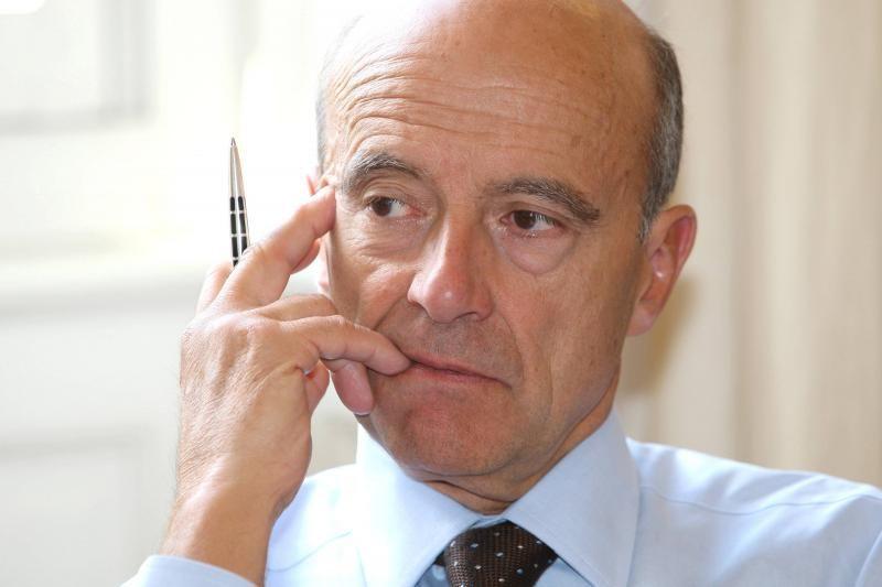 Alain Juppé devrait sortir du bois dès la semaine prochaine et annoncer sa propre candidature...
