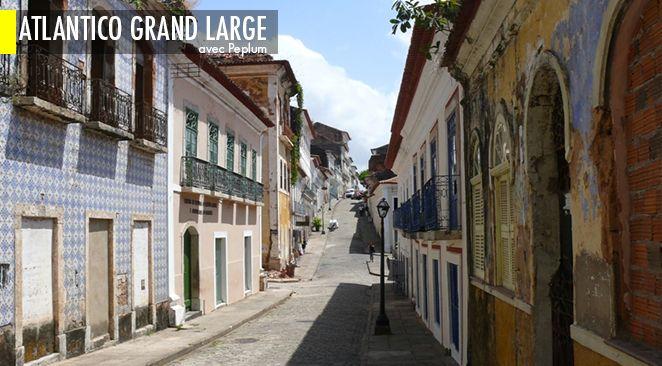 La côte nord du Brésil est marquée par la présence de deux parcs nationaux, que séparent près de cinq cents kilomètres.
