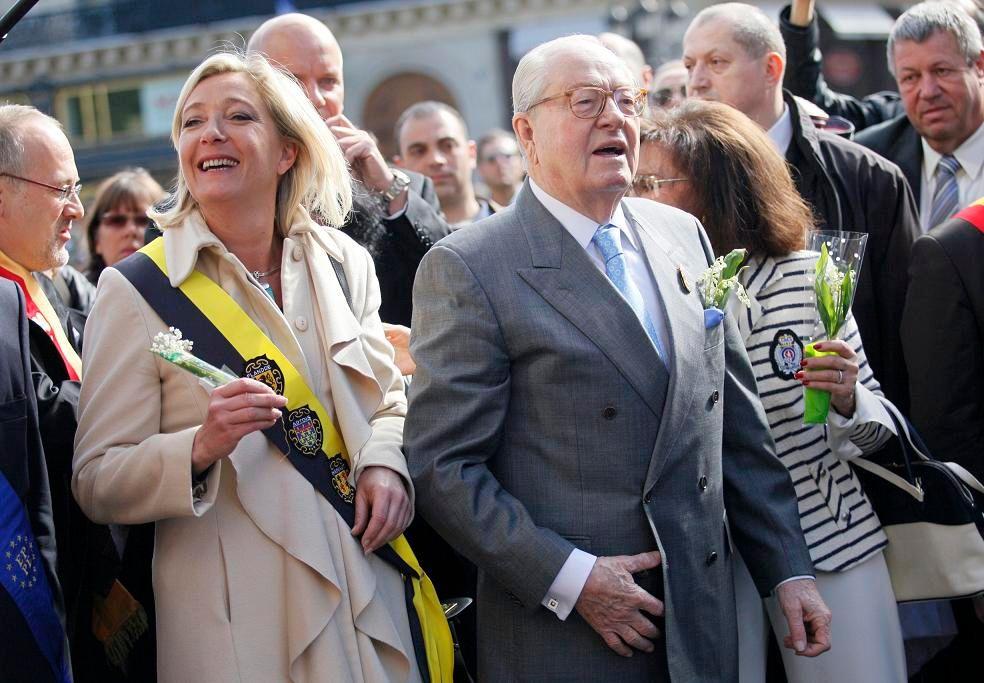 Marine et Jean-Marie Le Pen lors d'un défilé du 1er mai.