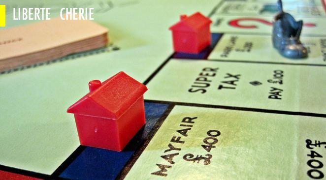Taxer un revenu fictif que chaque propriétaire se verserait virtuellement à lui-même va beaucoup plus loin. Cette idée revient à estimer arbitrairement l'usage que chacun fait de sa propriété privée afin d'orienter les comportements de tous.