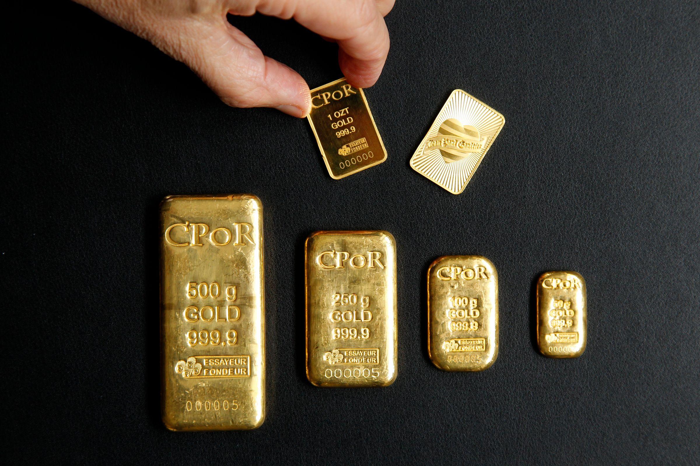 """La Chine achète de l'or discrètement pour """"diversifier ses réserves de change"""", comme on dit pudiquement, et pousse ces citoyens à en acquérir."""