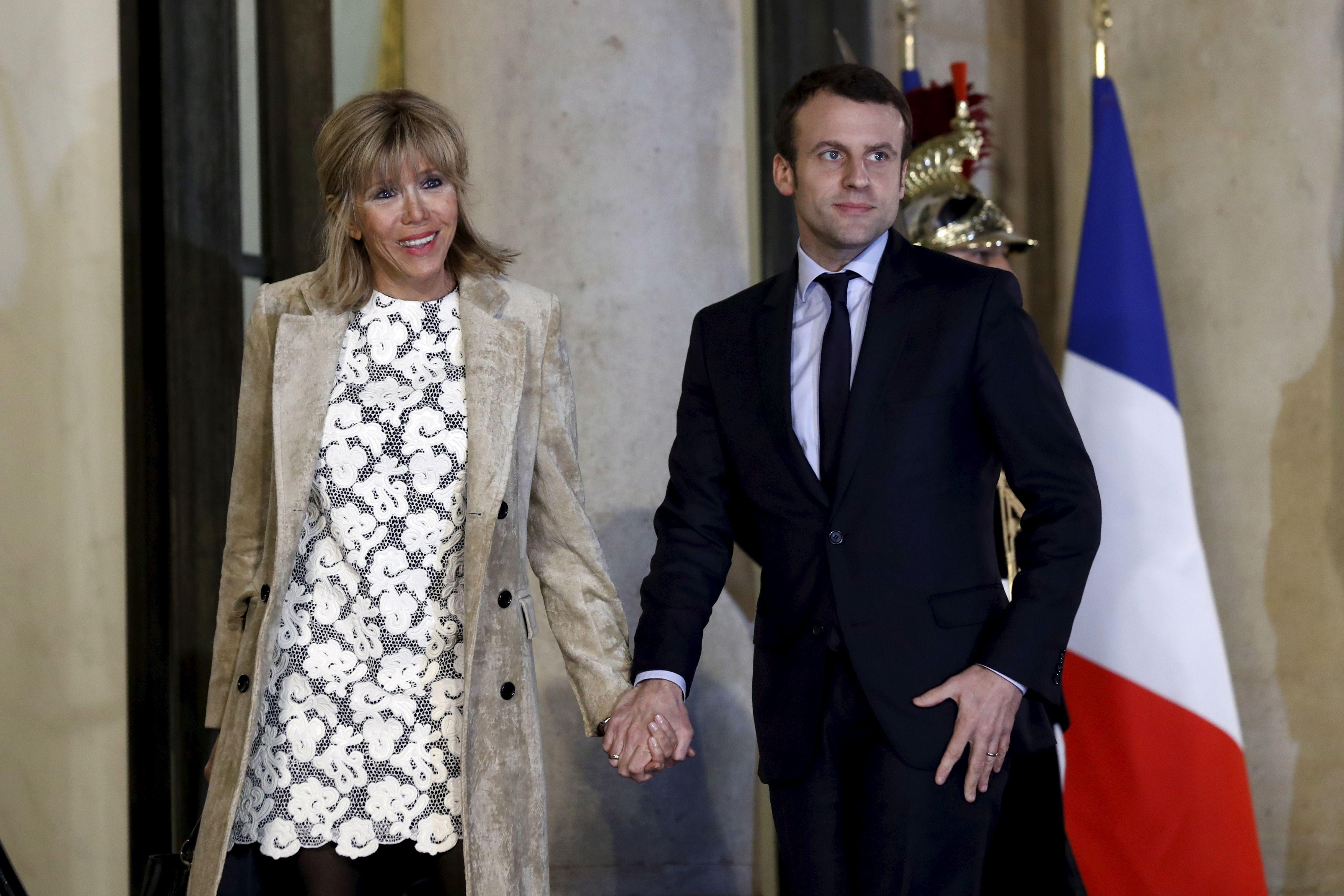 """Pour Emmanuel Macron, François Hollande est """"en mesure de gagner"""" en 2017"""