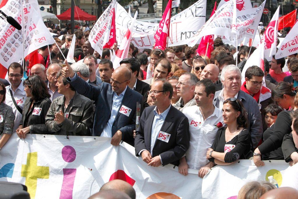 Manifestation contre l'islamophobie : quand la gauche abandonne le drapeau rouge pour le drapeau vert…