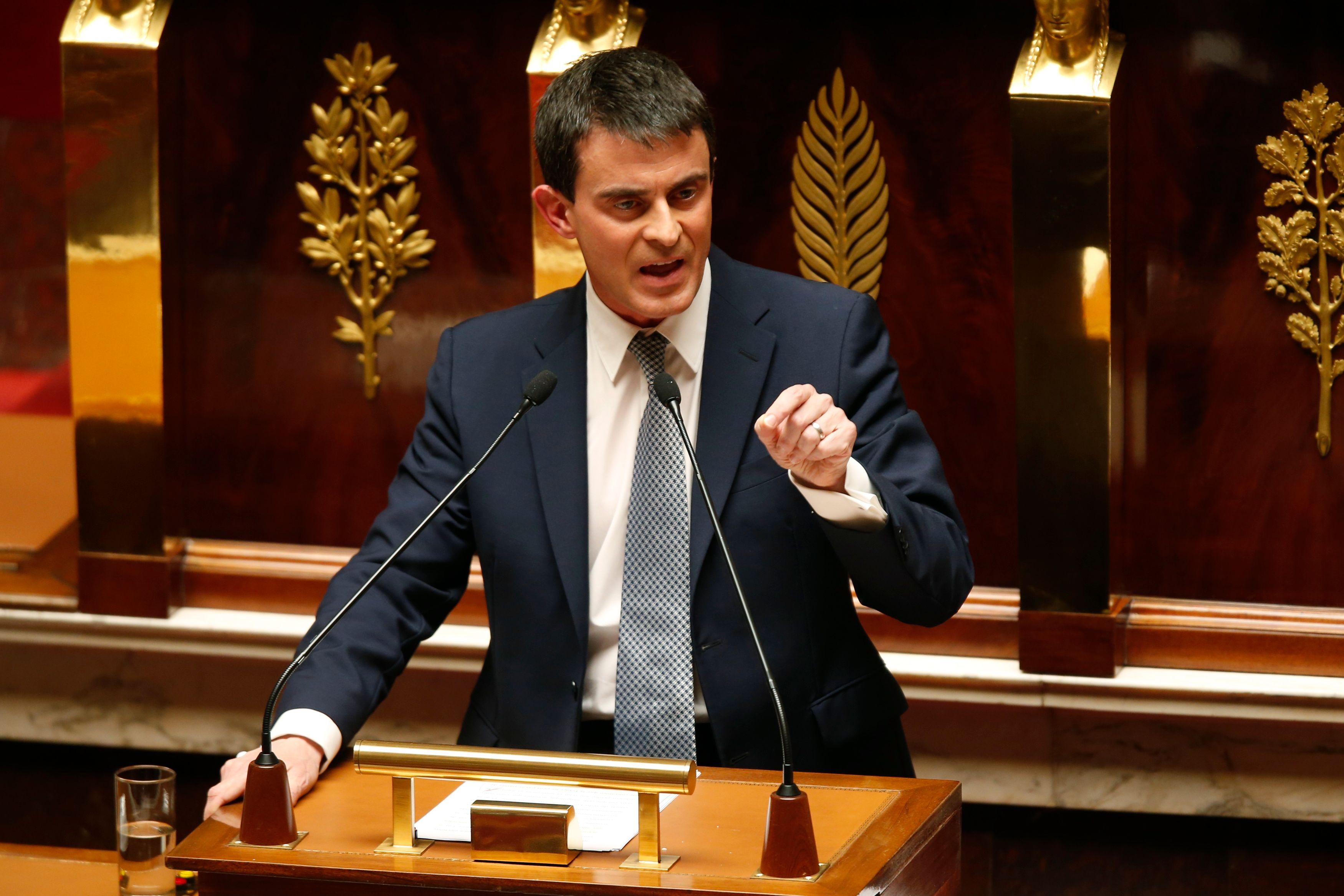 """Attaques de Paris : Manuel Valls évoque """"le risque d'armes chimiques et bactériologiques"""""""