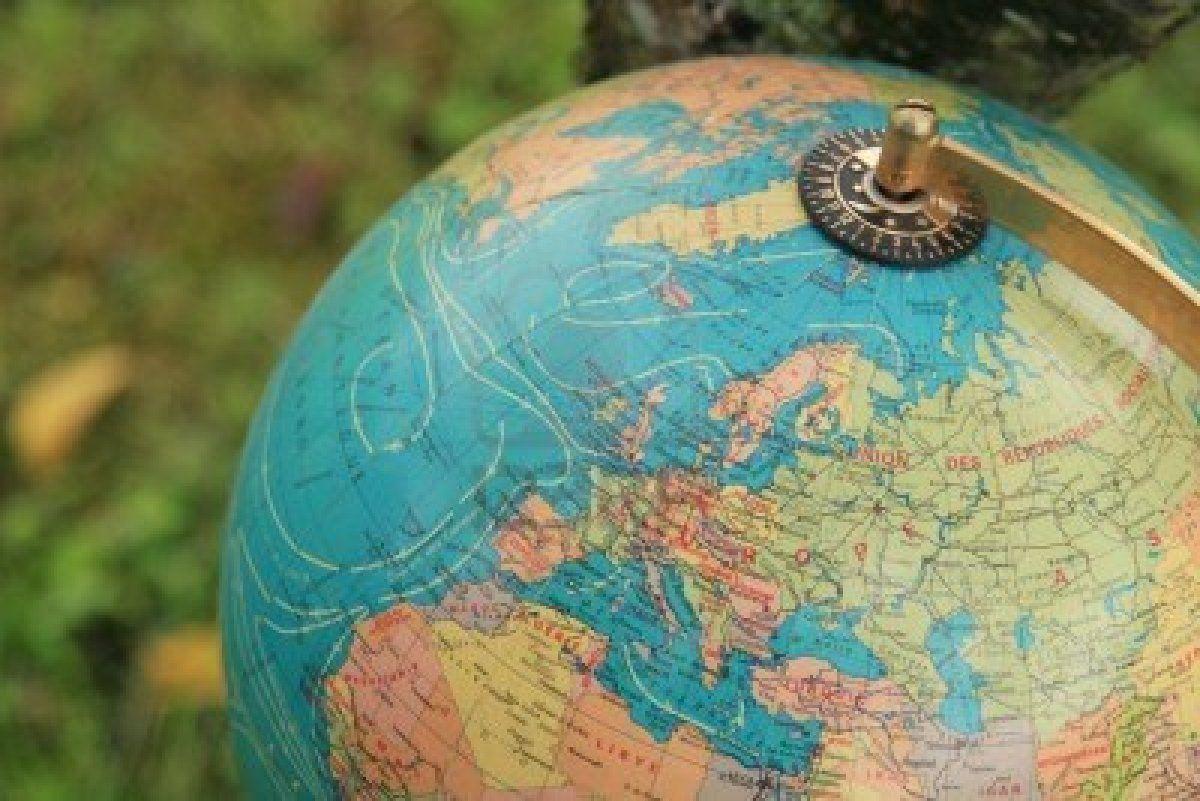 Un regard d'Est en Ouest :  géohistoire de l'Europe orientale contemporaine