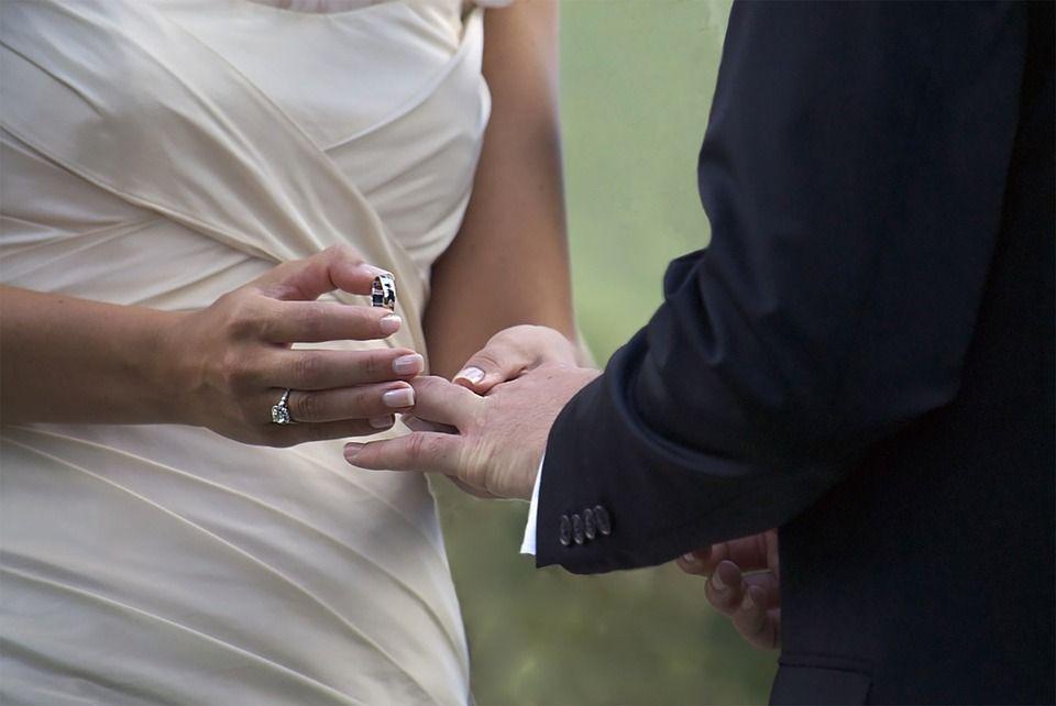 Le mariage est un engagement, c'est quelque chose de sacré et l'utiliser ainsi pour une télé-réalité c'est créer un discrédit de l'union.