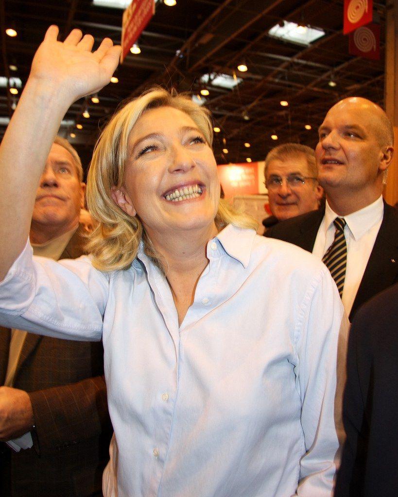 Marine Le Pen et François Fillon critiquent François Hollande au Salon de l'agriculture