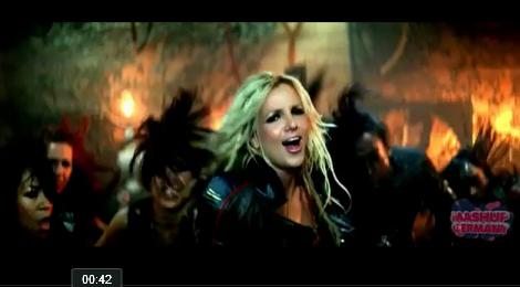 La chanteuse Britney Spears poste régulièrement des photos de sa famille sur Facebook.