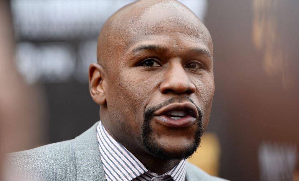 L'ancien boxeur Floyd Mayweather a l'intention de payer les funérailles de George Floyd