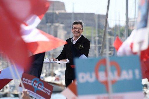 Jean-Luc Mélenchon, officiellement candidat dans la quatrième circonscription de Marseille