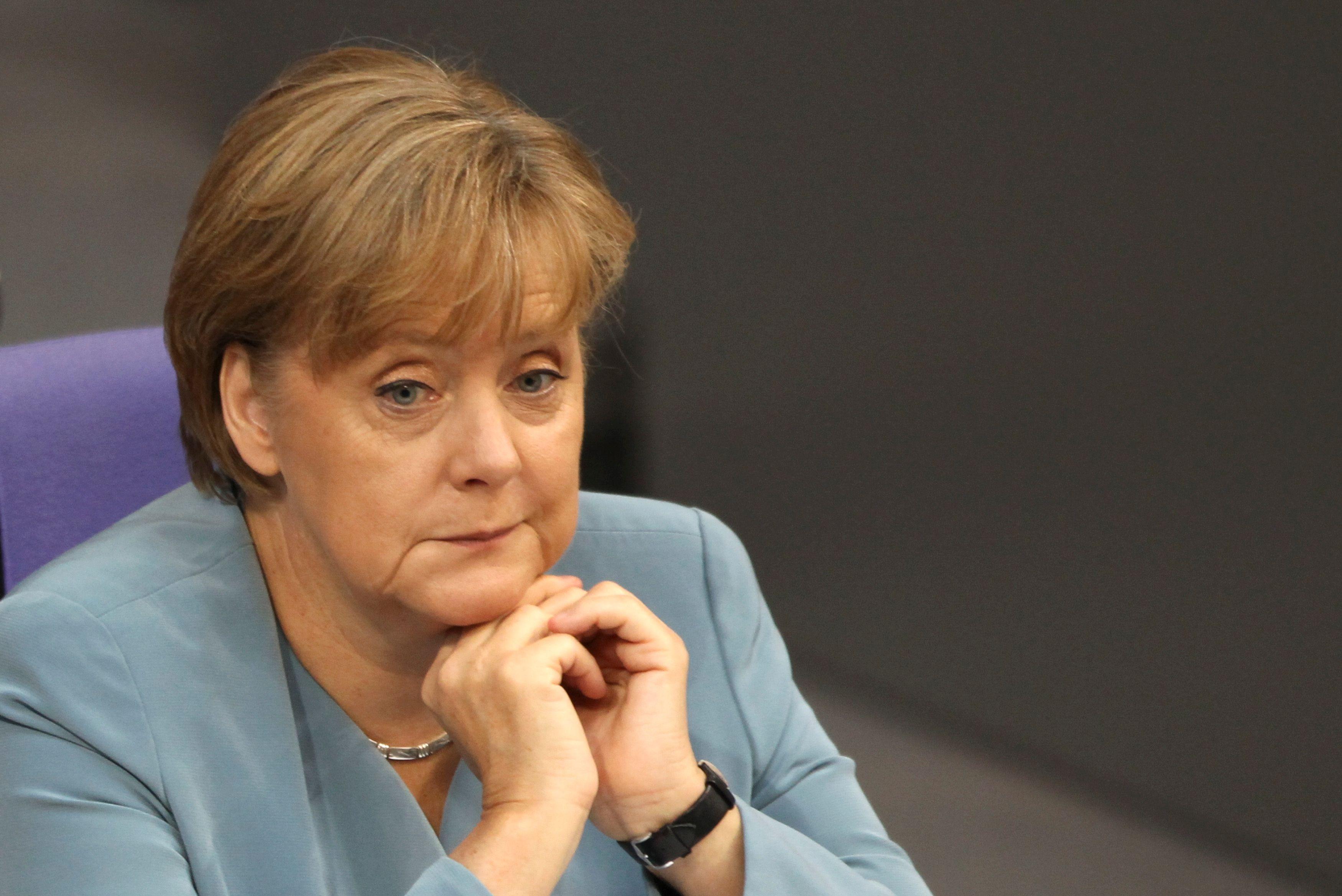 A travers ses propos, c'est le parti social-démocrate que vise Angela Merkel