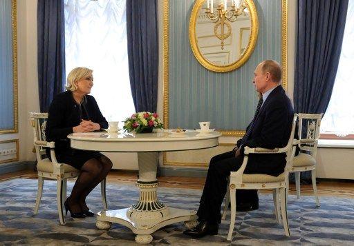 """La Russie serait """"activement impliquée"""" dans la présidentielle française selon un sénateur américain"""