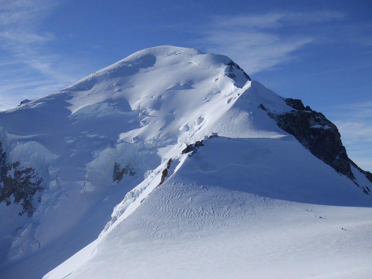 Le Mont-Blanc est passé de 4 810,44 mètres en 2011 à 4 810,06 mètres cette année.