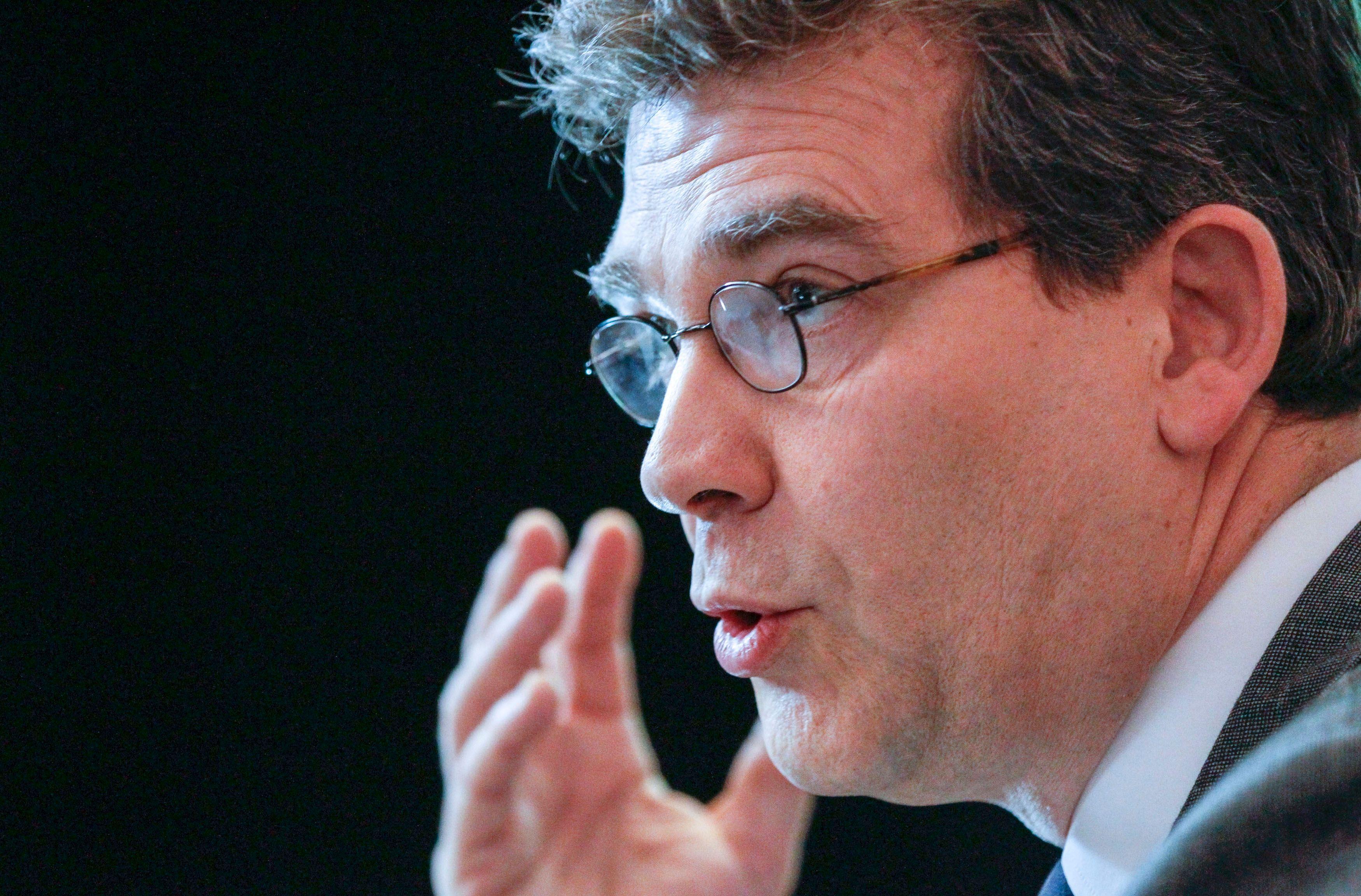 Le ministre du Redressement productif, Arnaud Montebourg, a attaqué mardi 25 février la direction générale de la concurrence de la Commission européenne