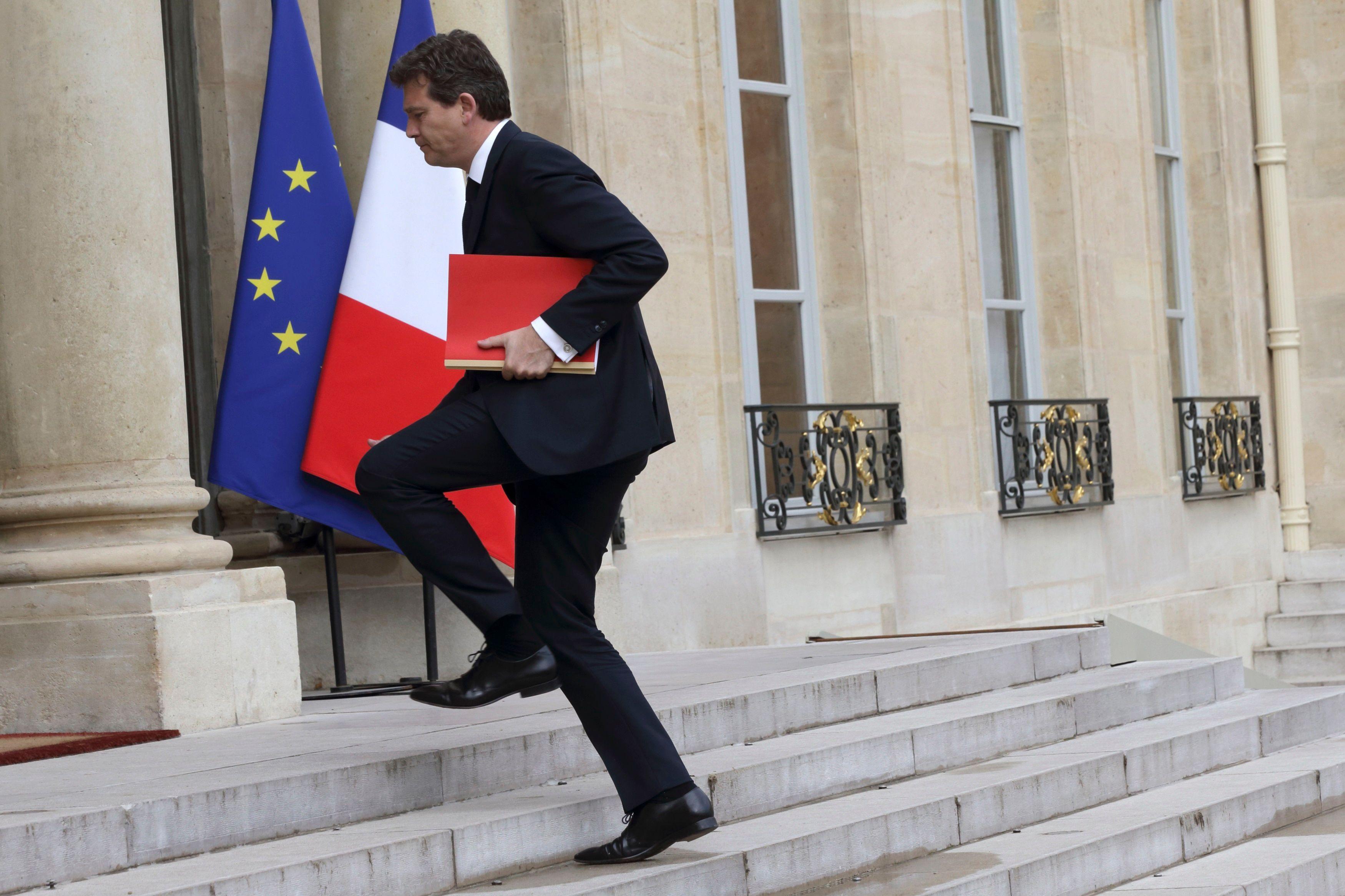 Entre peur de faire perdre la gauche et réticence à soutenir Hollande, Arnaud Montebourg est-il vraiment décidé à se lancer dans la course pour 2017 ?