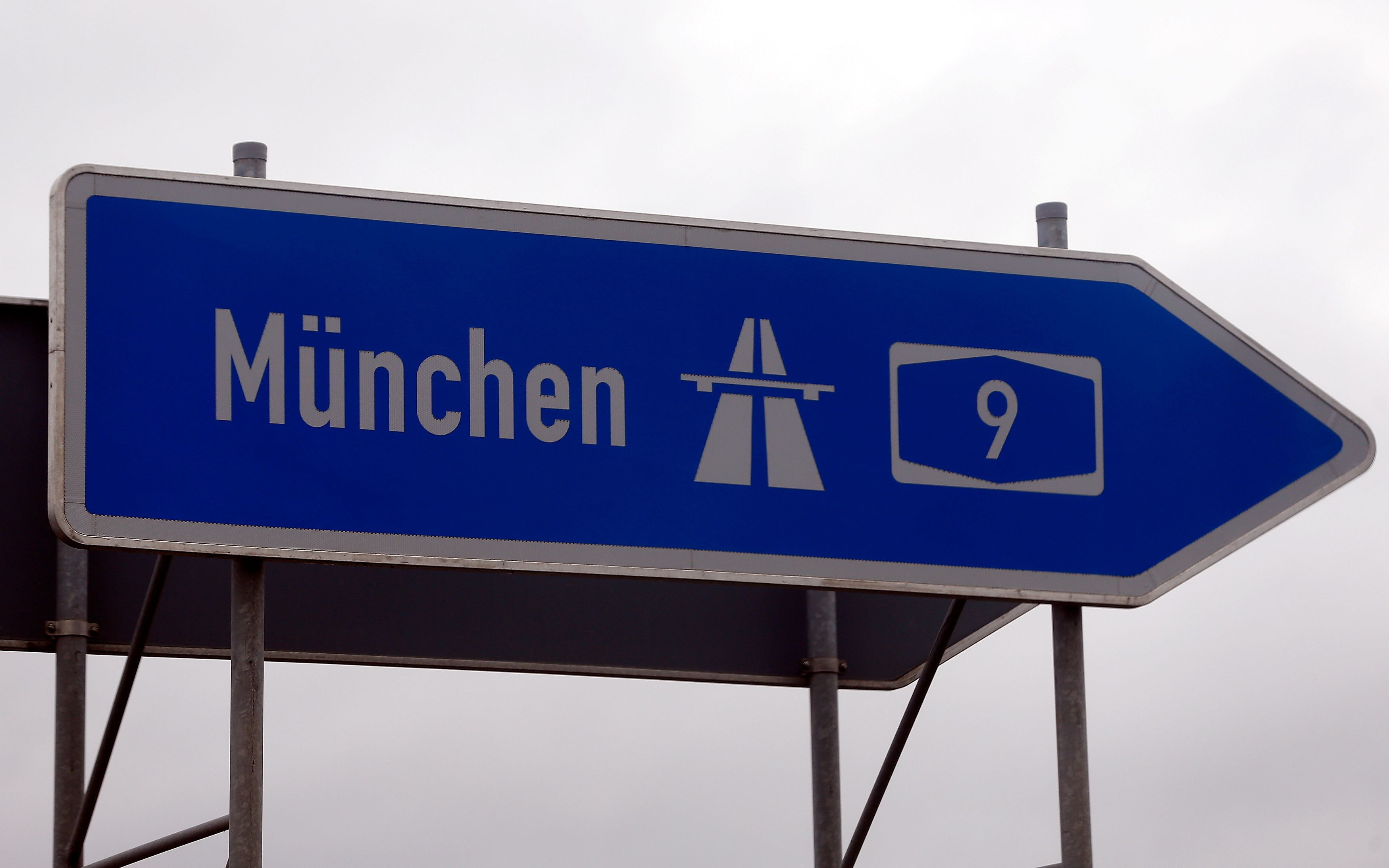 """Entre """"pacifisme"""" inapproprié de l'esprit de Munich et risques d'embrasement généralisé, comment trouver le juste équilibre face à l'islam ?"""