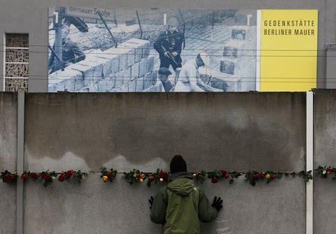 25 ans après la chute du mur de Berlin, les régions de l'ex-RDA semblent encore très défavorisées par rapport à leurs voisines occidentales.
