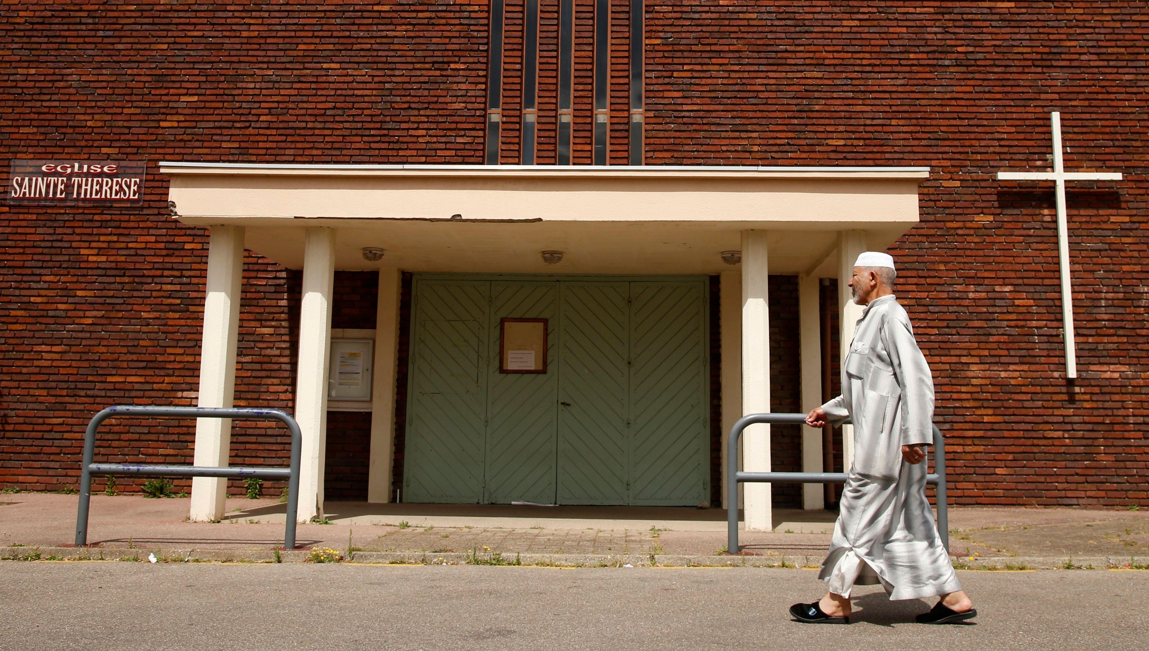 Saint-Etienne-du-Rouvray : chrétiens et musulmans ont prié ensemble dans la mosquée de la ville