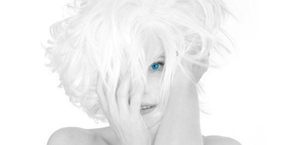 Depuis 30 ans, la chanteuse est toujours numéro 1 des ventes d'albums dans l'hexagone.
