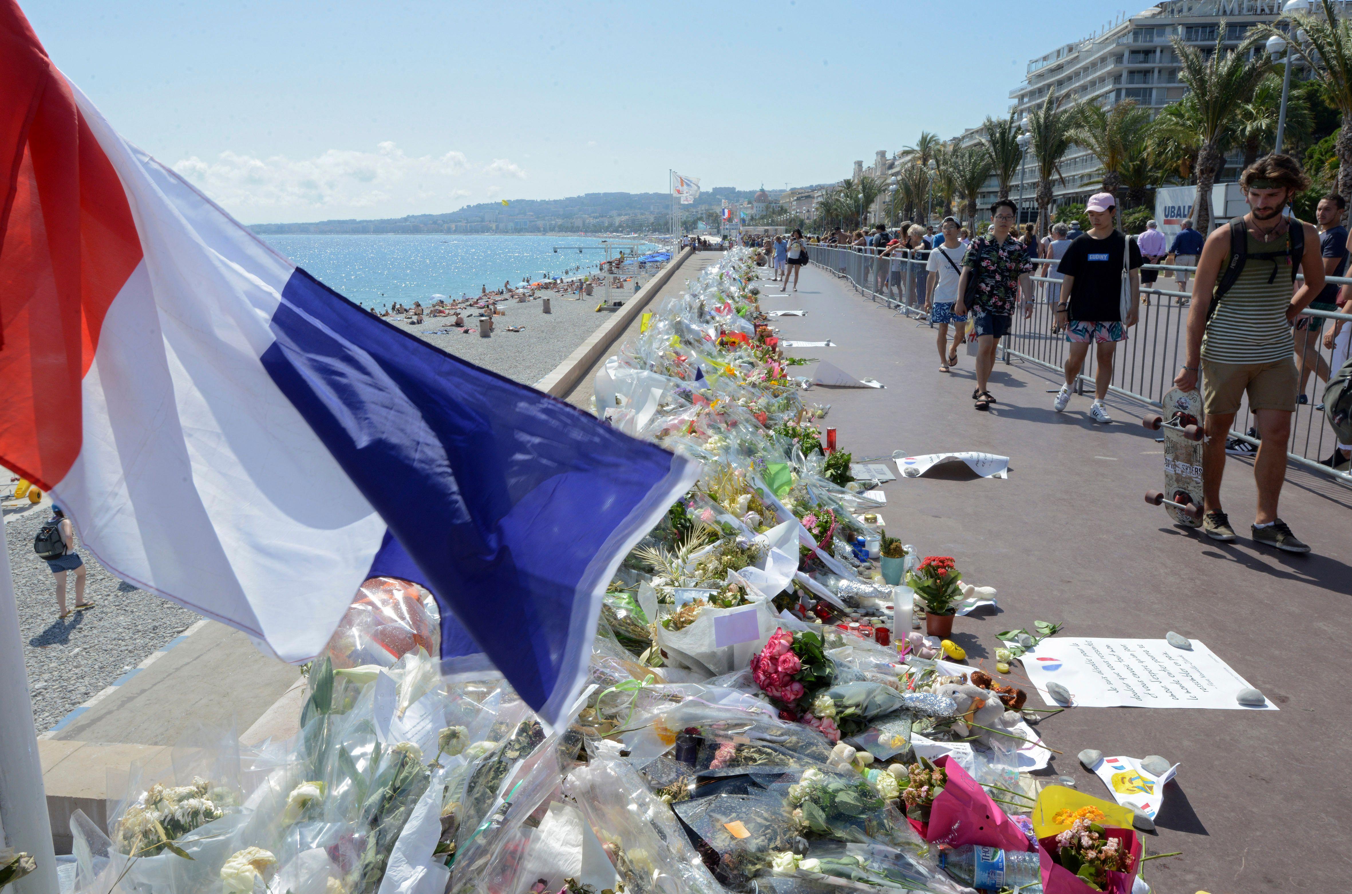 """""""Je crois que je n'ai jamais vu autant de terreur dans les yeux d'un homme"""" : le poignant témoignage des soignants de l'attentat de Nice"""