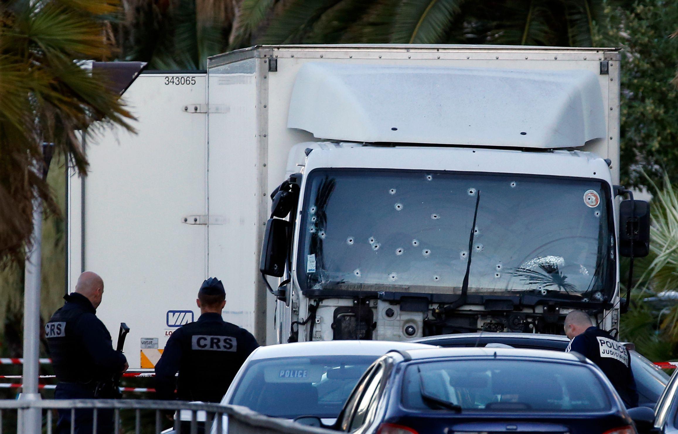 Attentat de Nice : 11 individus soupçonnés de complicité ont été interpellés