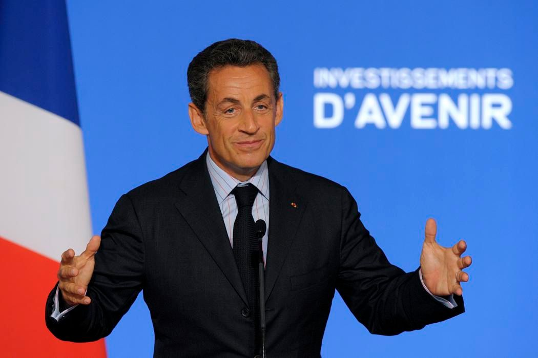 """Nicolas Sarkozy a indiqué qu'une """"vingtaine de milliards d'euros"""", sur un total de 35 milliards, """"auront été engagés"""" d'ici fin 2011."""