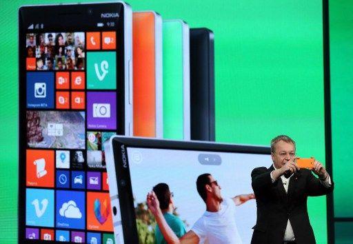 Contraint de vendre en 2014, Nokia était pourtant le numéro un en 2007 à la sortie de l'iPhone, et Microsoft est à présent contraint de jeter l'éponge en revendant pour une bouchée de pain à des anciens de la boîte ce qu'ils payé 7,2 milliards de dollars